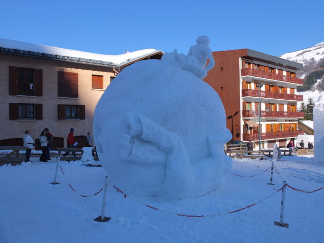 Snow sculpture contest Valloire,Francia